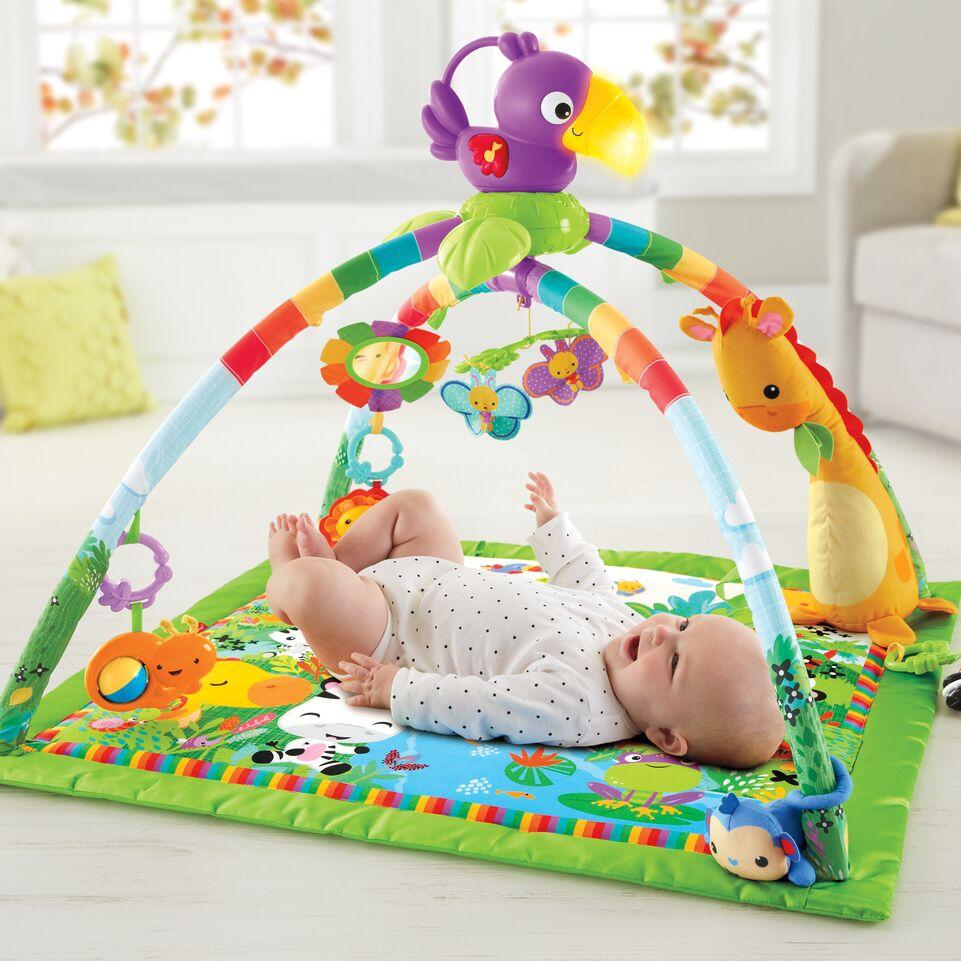 Baby-Geschenkideen-10-tolle-Geschenke-fuer-Babys-unter-einem-Jahr-Rainforest